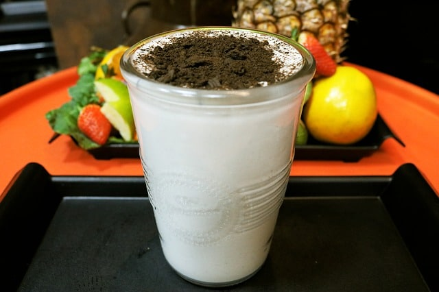 diet for hardgainer is to drink a homemade mass gainer shake